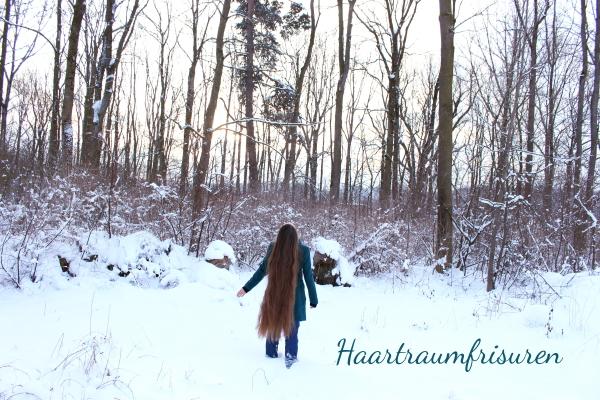 Lange Haare im Schnee